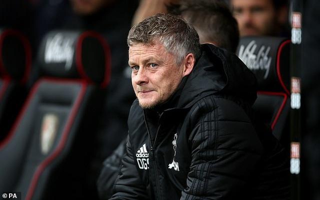 Man Utd thi đấu thăng hoa, Solskjaer vẫn dọa thay cả hàng tiền đạo - 4