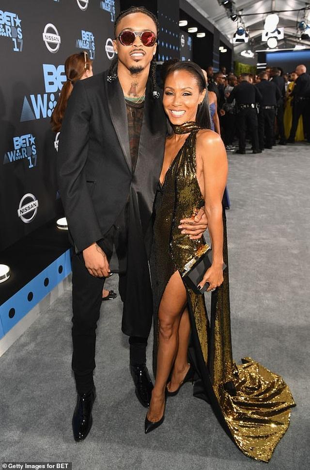 Vợ Will Smith phủ nhận tin cặp kè ca sĩ kém 21 tuổi - 1