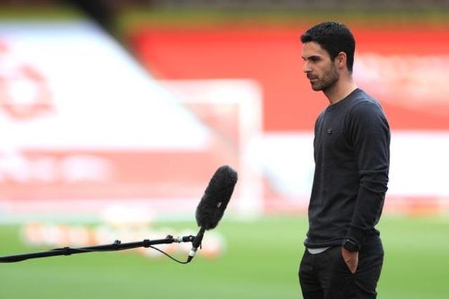 Arsenal 4-0 Norwich: Aubameyang được tặng hai bàn thắng - 15