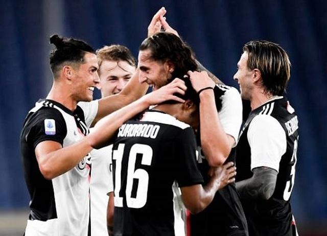 C.Ronaldo lập siêu phẩm, Juventus vững chắc ngôi đầu ở Serie A - 2