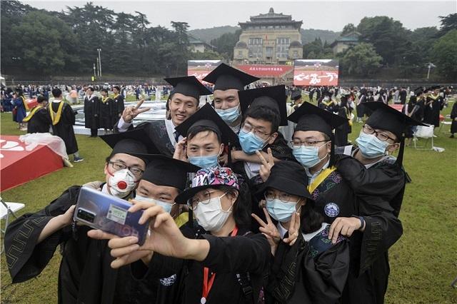 Trung Quốc hỗ trợ sinh viên tốt nghiệp tìm việc làm qua mạng - 1