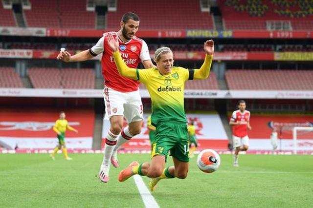 Arsenal 4-0 Norwich: Aubameyang được tặng hai bàn thắng - 4