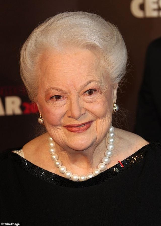 """Nữ diễn viên """"Cuốn theo chiều gió"""" vừa bước sang tuổi... 104 - 1"""