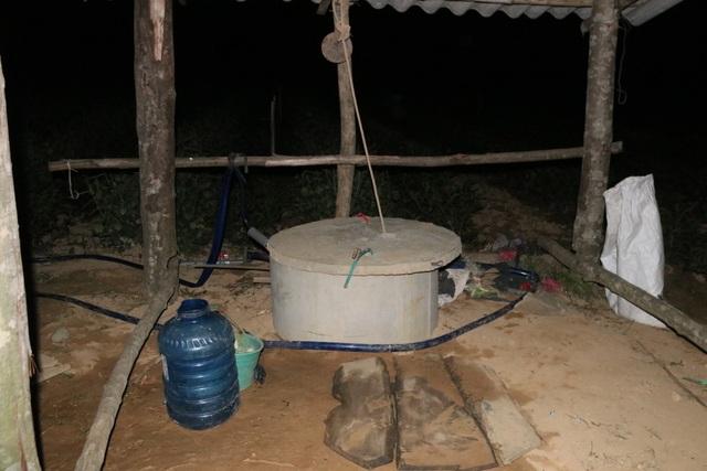 Xót ruột vì cây héo khô, người trồng chè thức trắng đêm tưới nước - 8