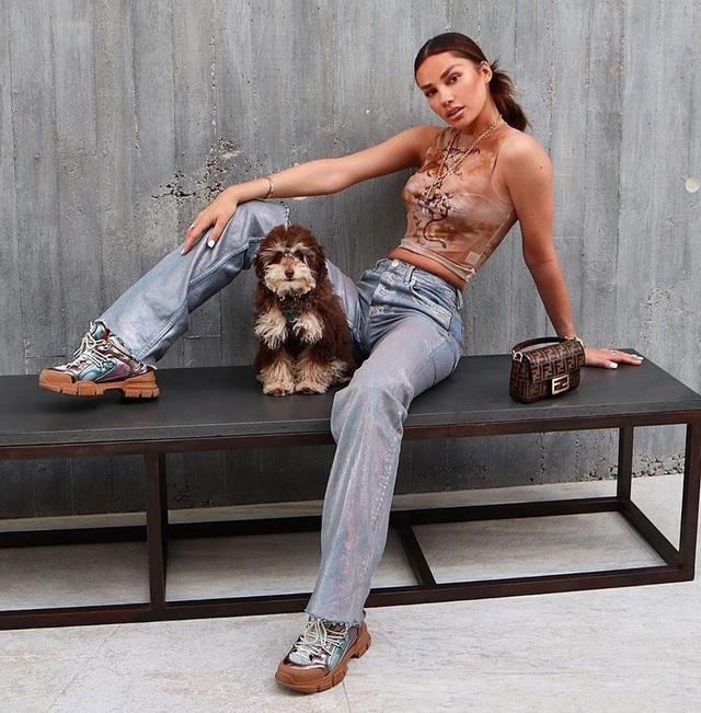 Bạn gái siêu mẫu của Dele Alli diện bikini khoe dáng nóng bỏng - 2