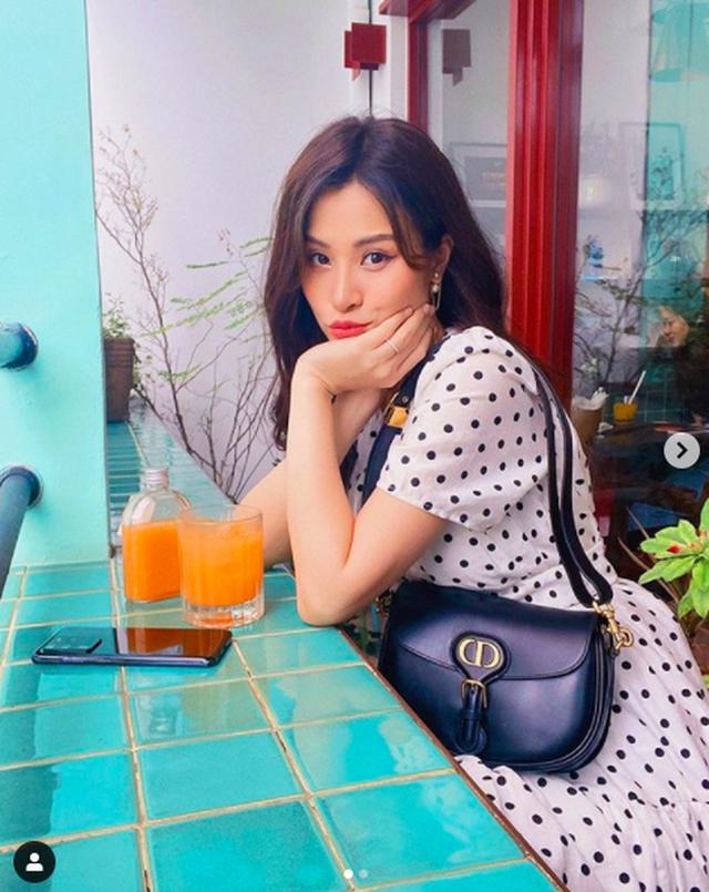 Những bà bầu sành điệu, chẳng ngại diện bikini của showbiz Việt 2020 - 14