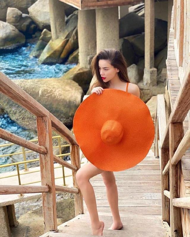 Những bà bầu sành điệu, chẳng ngại diện bikini của showbiz Việt 2020 - 2
