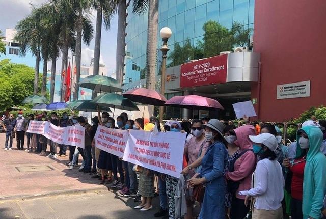 Buộc thôi học con vì... bố mẹ: Trường Quốc tế Việt Úc phản hồi - 2