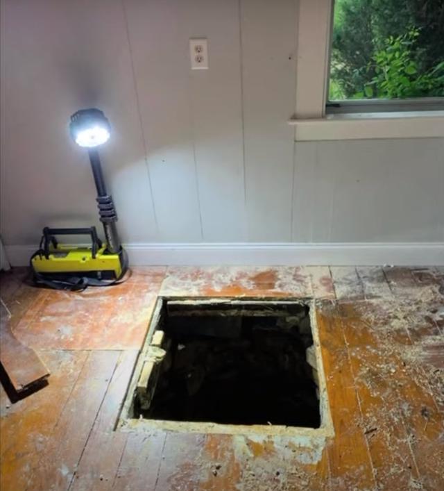 Phát hiện giếng ngầm sâu 9m dưới nền nhà - 2