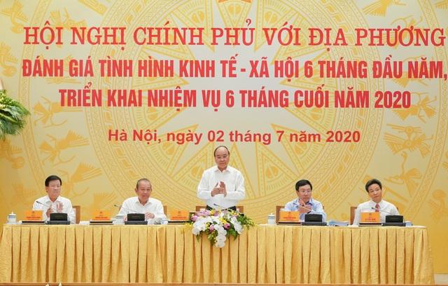 Thủ tướng: Bơm thêm tiền cho an sinh xã hội, không để ai quá khổ! - 2