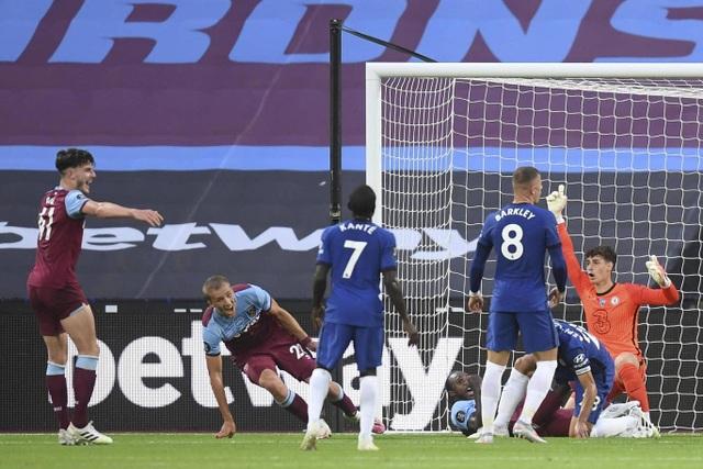 Nhìn lại trận thua đắng ngắt của Chelsea trên sân West Ham - 11