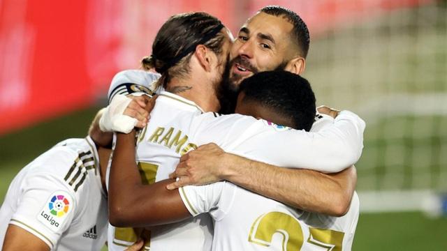 Barcelona thất thế, Real Madrid rộng cửa vô địch La Liga - 1