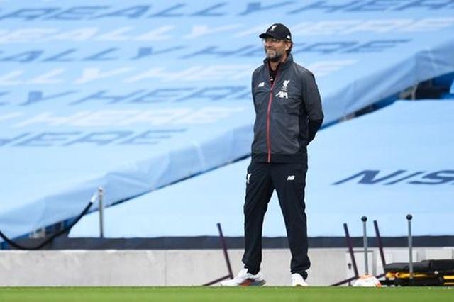 Man City 4-0 Liverpool: Nhà ĐKVĐ nhận trái đắng - 12