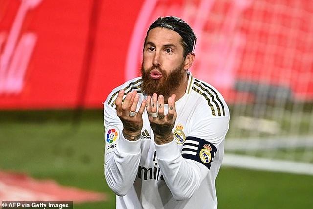 Ramos lập công, Real Madrid hạ Getafe và hơn Barcelona 4 điểm - 14