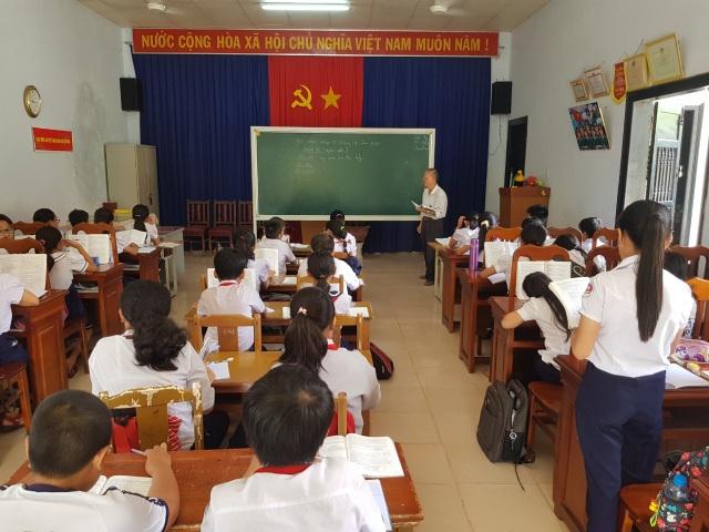 Khánh Hòa: Học sinh phải học nhờ Nhà văn hóa vì thiếu phòng học - 1