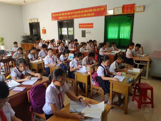 Học sinh học nhờ nhà văn hóa thôn: Chủ tịch Khánh Hòa chỉ đạo kiểm tra - 1