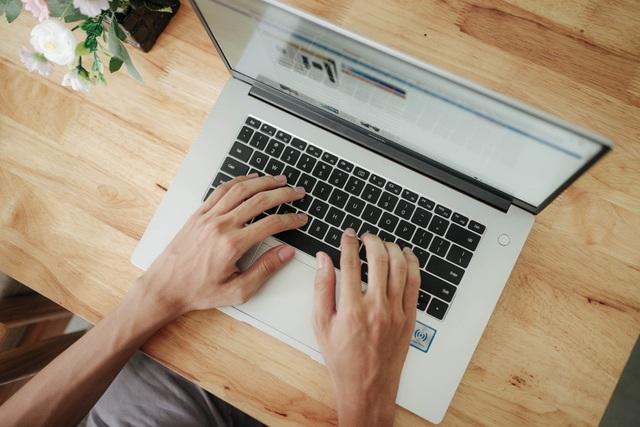 Trên tay Huawei MateBook D 15 - laptop đẹp và mạnh mẽ, giá 15,99 triệu đồng - 8