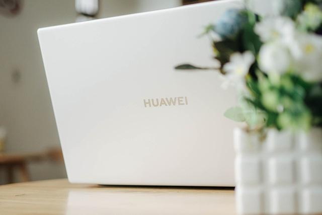 Trên tay Huawei MateBook D 15 - laptop đẹp và mạnh mẽ, giá 15,99 triệu đồng - 4