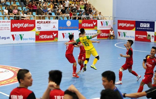 Sahako hụt hơi ở giải futsal vô địch quốc gia 2020 - 1