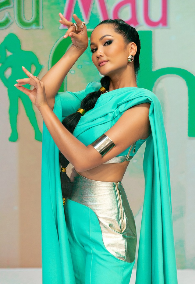 H'Hen Niê múa lụa khi hóa thân thành công chúa Jasmine - 5