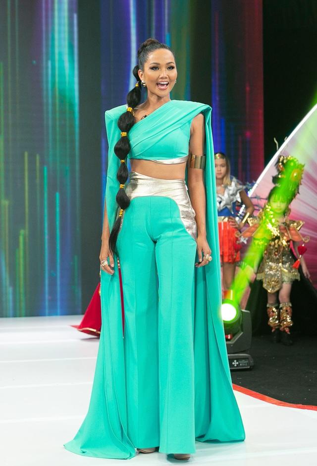 H'Hen Niê múa lụa khi hóa thân thành công chúa Jasmine - 8