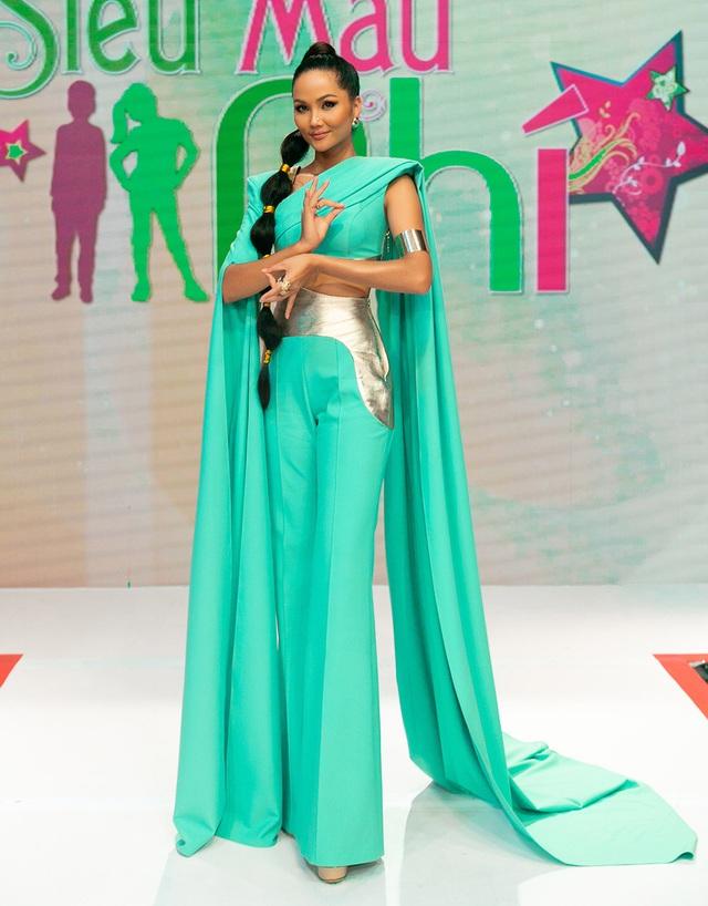 H'Hen Niê múa lụa khi hóa thân thành công chúa Jasmine - 4