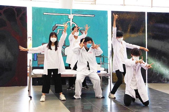 """Học sinh trường Ams nhảy vũ điệu """"đánh đuổi virus"""", tri ân các y, bác sĩ - 3"""
