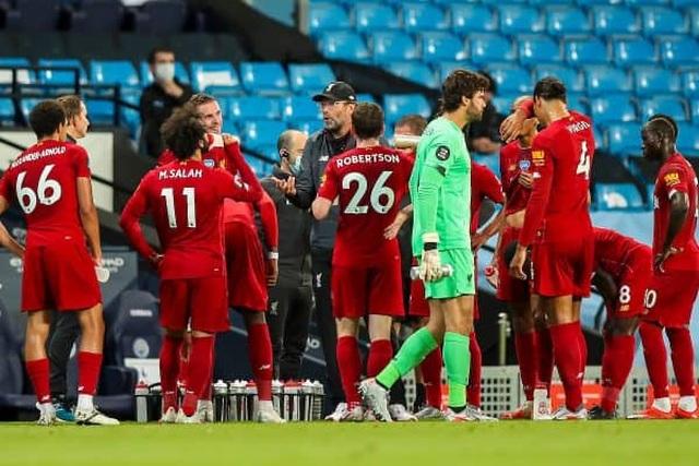 Liverpool lập hàng loạt cột mốc buồn sau thảm bại trước Man City - 1