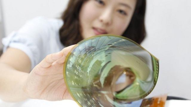 Lộ thời điểm ra mắt smartphone màn hình cuộn tròn của LG - 1