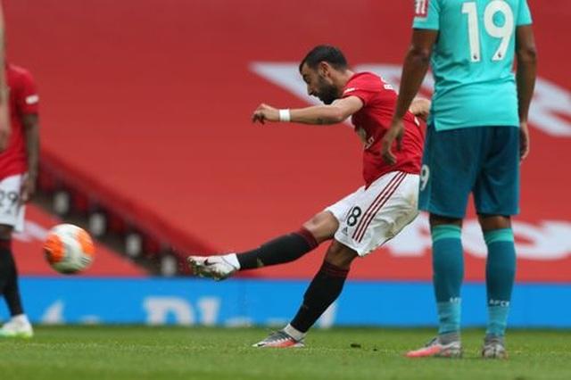 """Man Utd 5-2 Bournemouth: Hàng công """"Quỷ đỏ"""" thăng hoa rực rỡ - 6"""