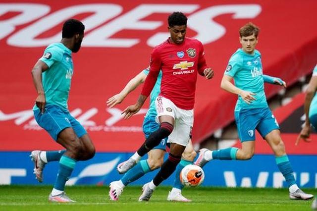 """Man Utd 5-2 Bournemouth: Hàng công """"Quỷ đỏ"""" thăng hoa rực rỡ - 14"""