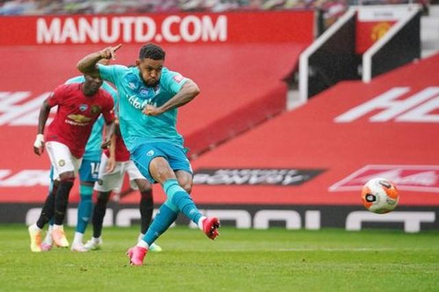 """Man Utd 5-2 Bournemouth: Hàng công """"Quỷ đỏ"""" thăng hoa rực rỡ - 8"""