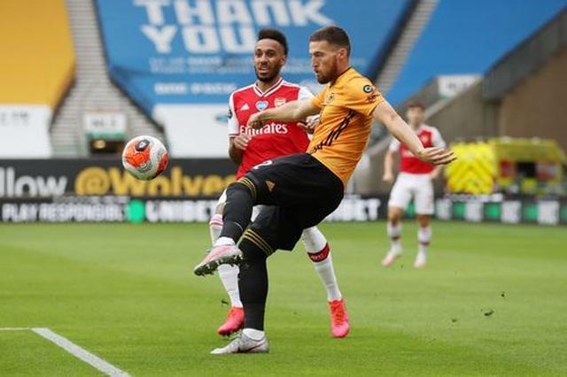 Wolves 0-2 Arsenal: Saka, Lacazette lập công cho đội khách - 13