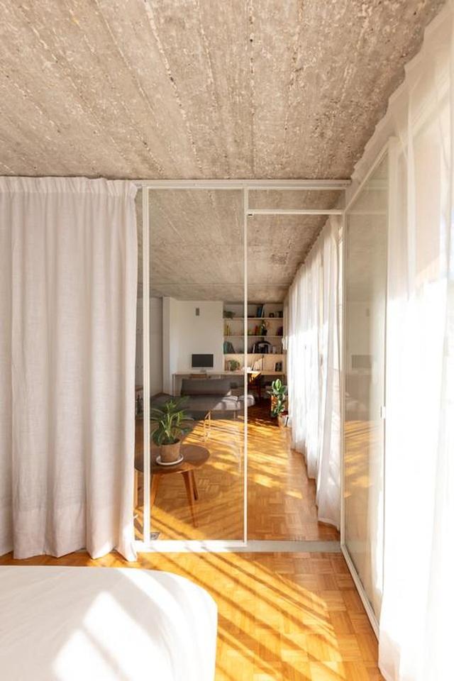 Bất ngờ: Căn hộ 42 m2 rộng gấp đôi chỉ nhờ... những tấm rèm - 7