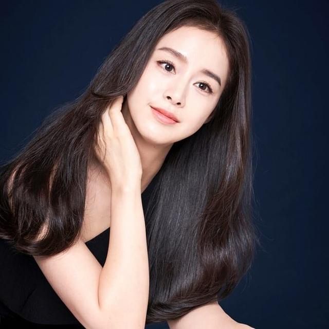 """""""Gái hai con"""" Kim Tae Hee """"đốn tim"""" cộng đồng mạng với nhan sắc ngọt ngào - 2"""