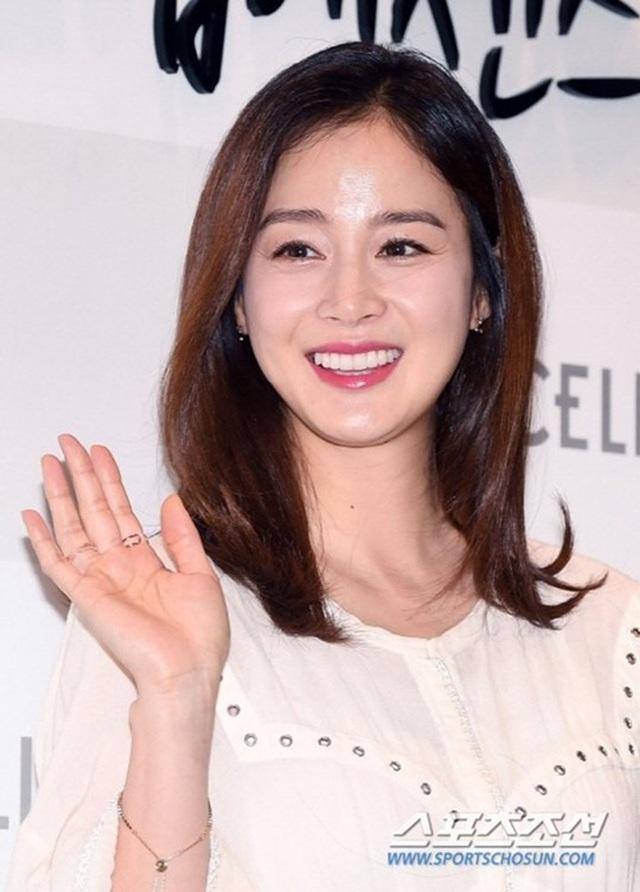 """""""Gái hai con"""" Kim Tae Hee """"đốn tim"""" cộng đồng mạng với nhan sắc ngọt ngào - 10"""