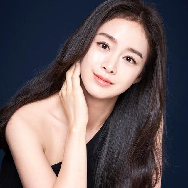 """""""Gái hai con"""" Kim Tae Hee """"đốn tim"""" cộng đồng mạng với nhan sắc ngọt ngào - 3"""