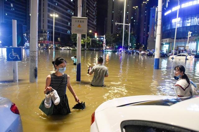 Trung Quốc nâng mức ứng phó khẩn cấp lũ ở lưu vực sông Dương Tử - 2