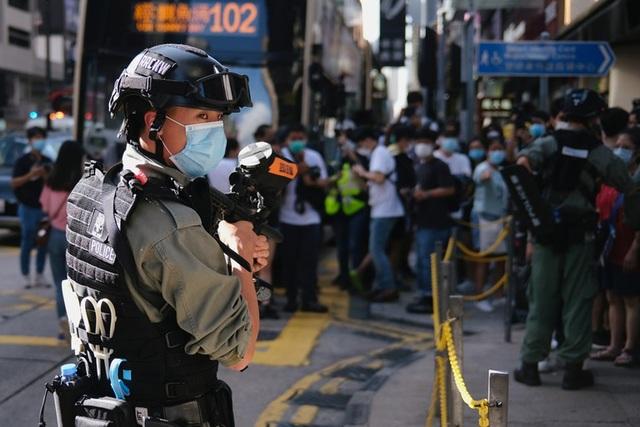 Trung Quốc sẵn sàng đối đầu Mỹ khi áp Luật an ninh Hồng Kông - 1