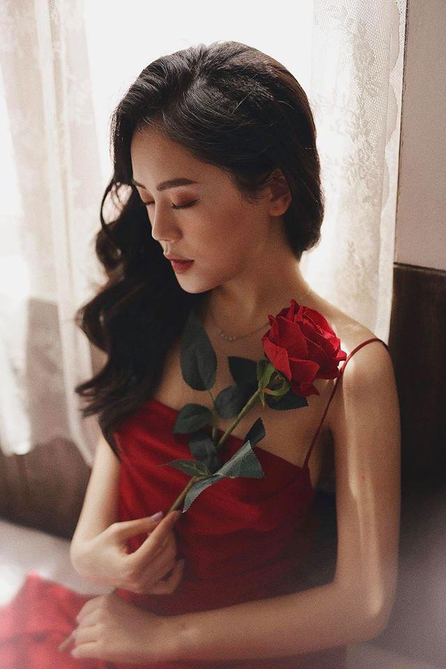 Nữ sinh Ngoại thương đa tài, sở hữu nhan sắc khiến bao trái tim ngơ ngẩn - 8