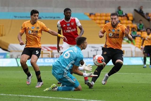Wolves 0-2 Arsenal: Saka, Lacazette lập công cho đội khách - 7