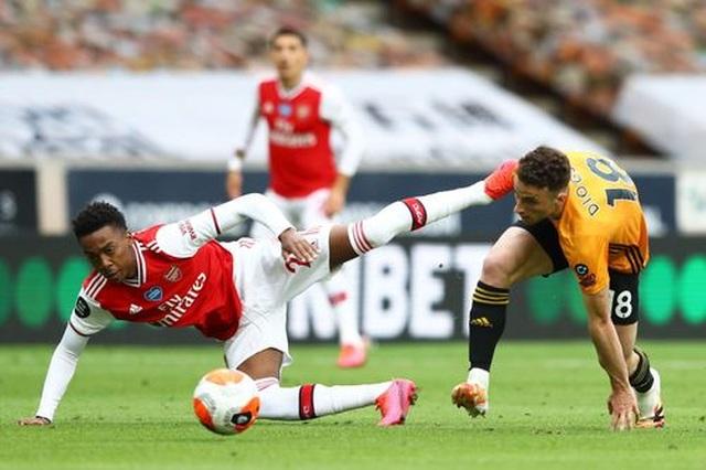 Wolves 0-2 Arsenal: Saka, Lacazette lập công cho đội khách - 5