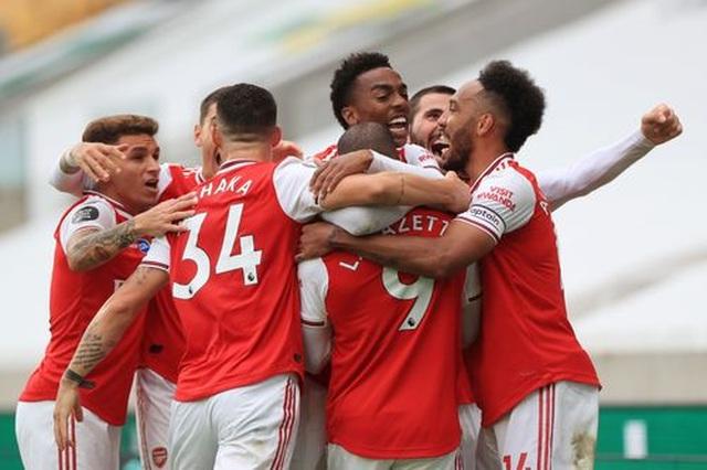 Wolves 0-2 Arsenal: Saka, Lacazette lập công cho đội khách - 2