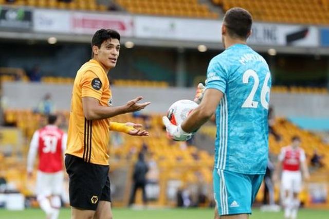 Wolves 0-2 Arsenal: Saka, Lacazette lập công cho đội khách - 8