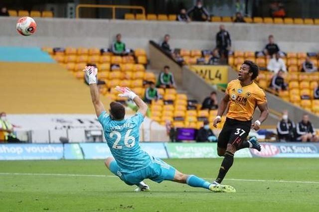 Wolves 0-2 Arsenal: Saka, Lacazette lập công cho đội khách - 6