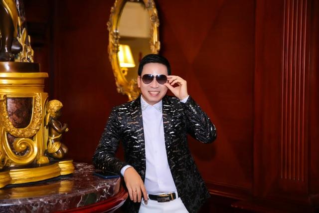 Ca sĩ Michael Lang hạnh phúc khoe quý tử - 1