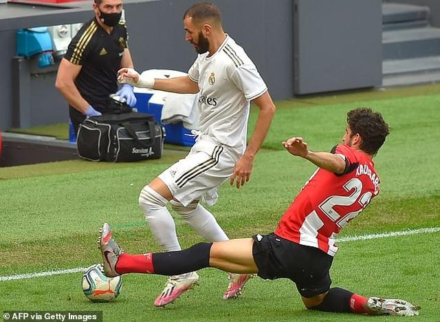 Ramos ghi bàn, Real Madrid bỏ xa Barcelona đến 7 điểm - 4