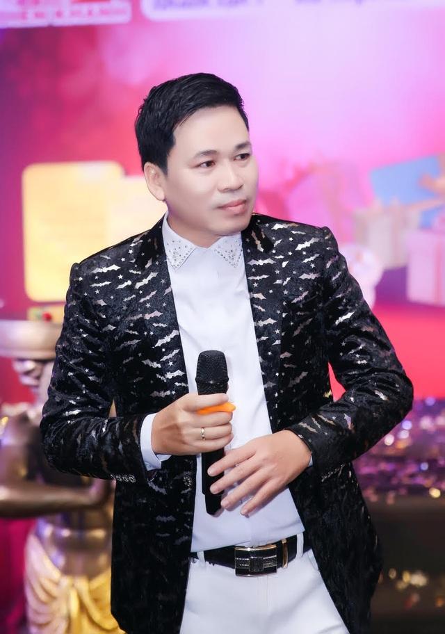 Ca sĩ Michael Lang hạnh phúc khoe quý tử - 3