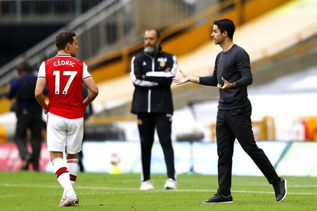 Wolves 0-2 Arsenal: Saka, Lacazette lập công cho đội khách - 11