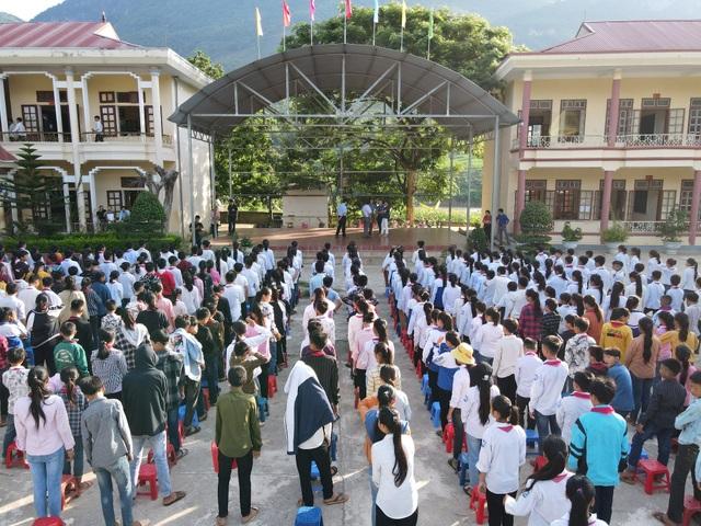 Điểm trường Dân Trí tặng học sinh được công nhận đạt chuẩn quốc gia - 5